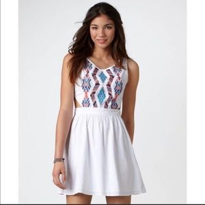🦅 American Eagle Outfitters Embroidered Dress